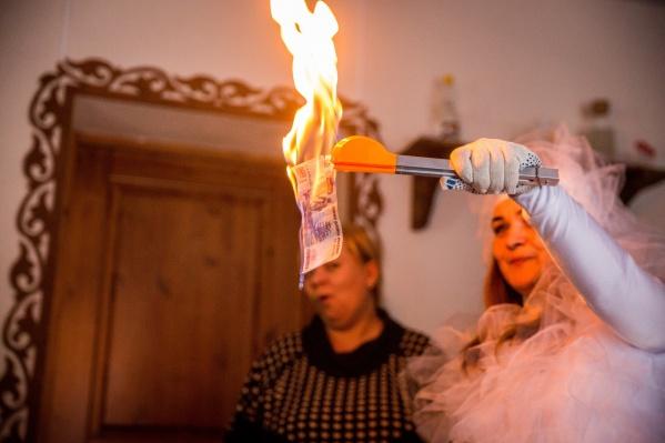 В преддверии Нового года новосибирцы остались без денег