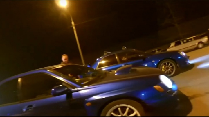 Возобновились уличные гонки на Пограничников. Инспекторы штрафуют стритрейсеров