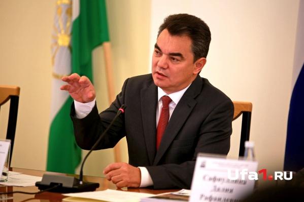 Ирек Ялалов впервые после предвыборного отпуска провел открытую оперативку