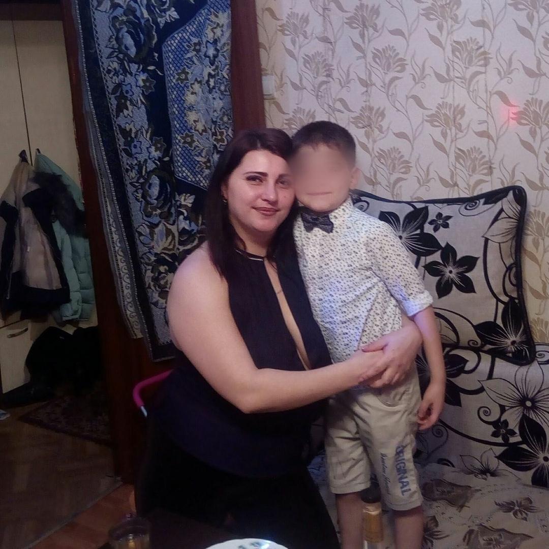 Трагическая случайность перевернула судьбу Егора, но мама верит, что он вернется к жизни