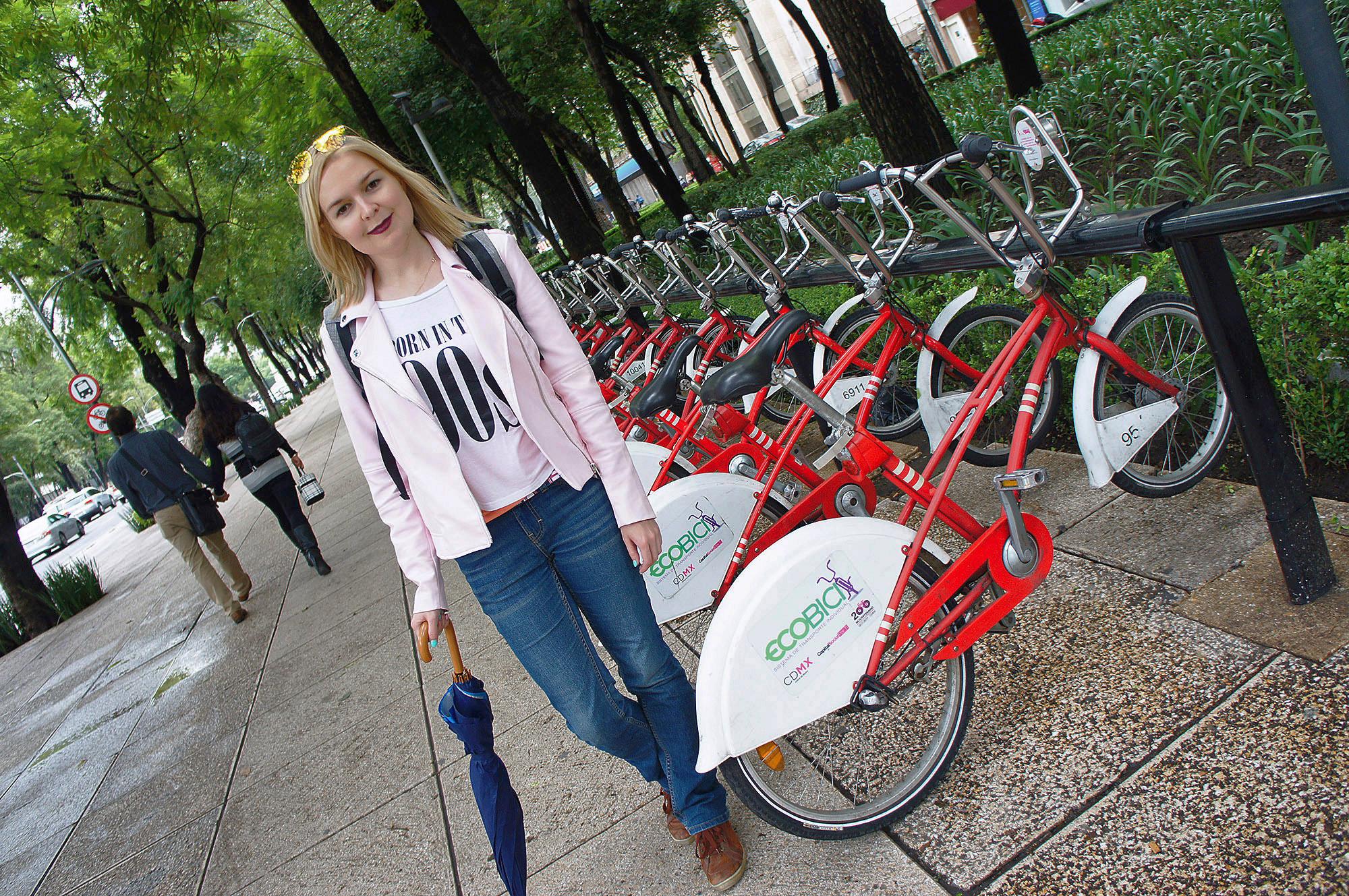 В центре города много велопрокатов