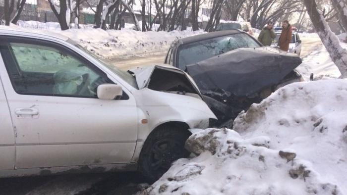 Авария случилась на улице Донецкой