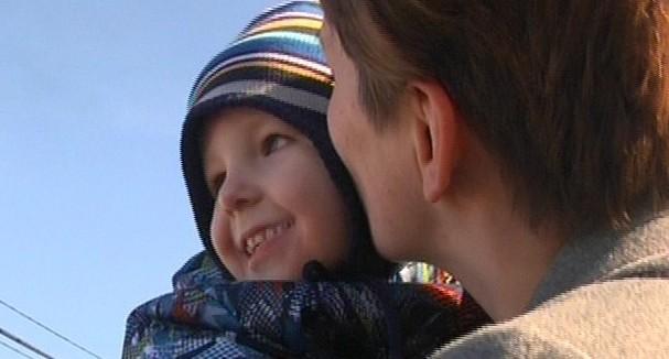 В Екатеринбурге волонтёры использовали фото ребёнка, чтобы собирать деньги с прохожих