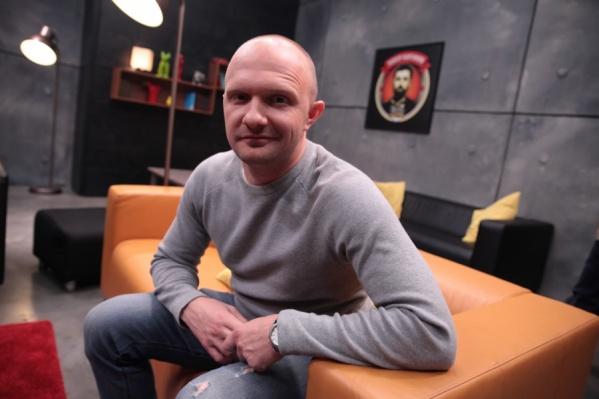 Илья Швецов из Омска стал финалистом шоу на федеральном канале и выступал под руководством Тимура Каргинова