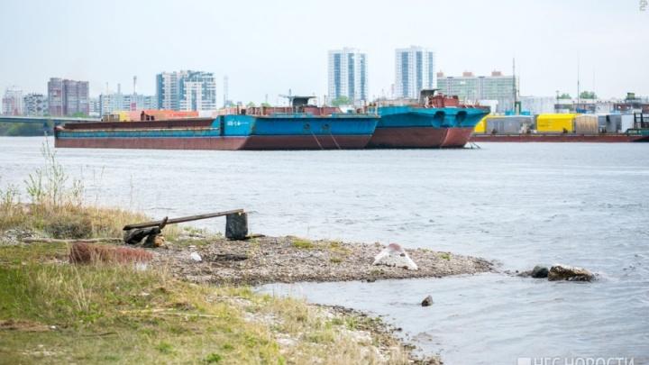 В разгар купаний в водоеме Татышева был найден утопленник