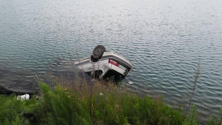 Виновата мёртвая жена: мужчина, выживший в затонувшей на Южном Урале машине, изложил свою версию
