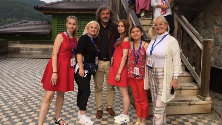 «Целая гора впечатлений»: наши земляки вернулись с трёхдневного фестиваля в Сербии