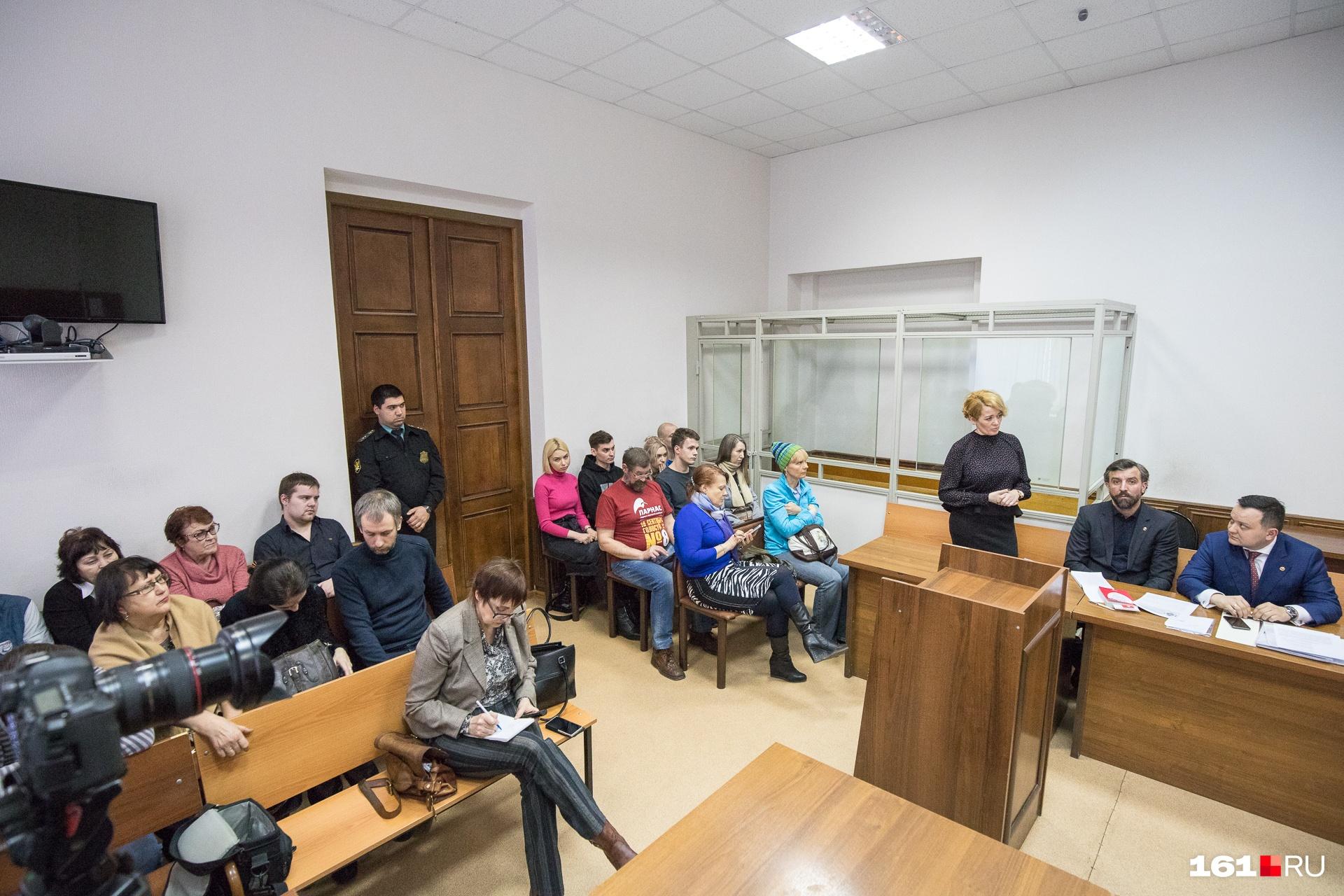 На заседания суда приходят сторонники Шевченко