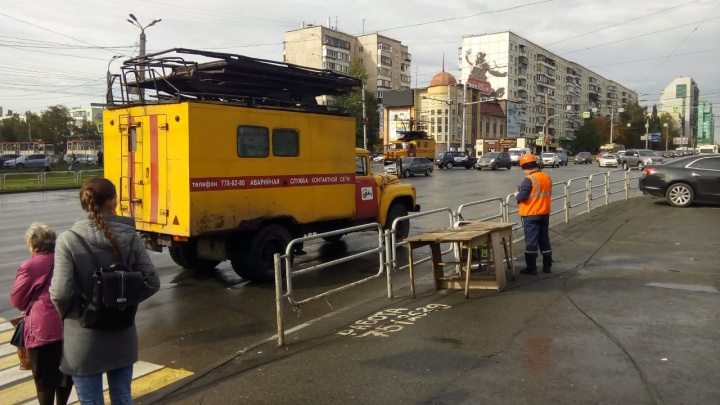 Движение троллейбусов на Северо-Западе Челябинска закрыли из-за оборванной водителем МАЗа сети