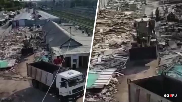 «Снесли с десяток павильонов»: самарец снял на видео, как зачистили Кировский рынок