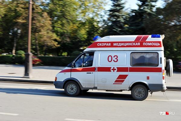 Медики примчалась через семь минут, подключили мужчину к аппарату и доставили в больницу