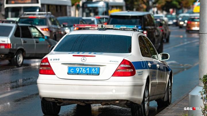 В Ростовской области водитель «Мазды» сбил двух школьниц и скрылся с места аварии