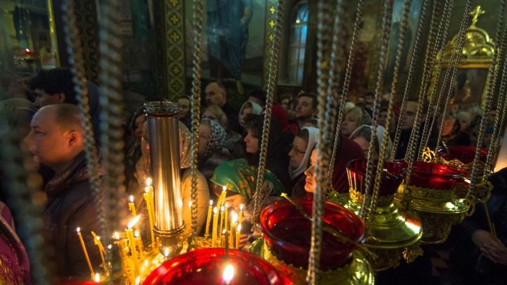Горожан приглашают на ночную рождественскую службу в Софийский собор