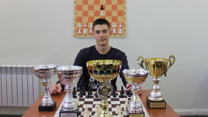 Самый «расчётливый» многоборец: ошибка соперника сделала 18-летнего волгоградца абсолютным чемпионом