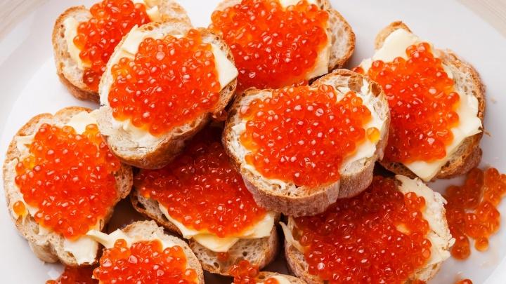Икра по-крупному: любимый россиянами деликатес может подорожать к Новому году