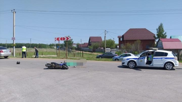Включил поворотник, а поехал прямо: под Уфой насмерть разбился мужчина на скутере