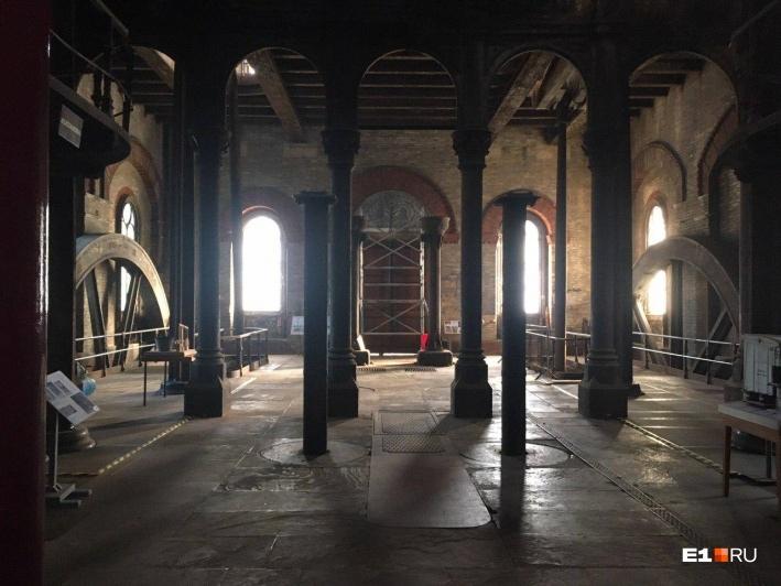 Система очистных сооружений Crossness Pumping Stationпоявилась в 1865 году. Сейчас в ее помещениях расположен музей истории канализации Лондона