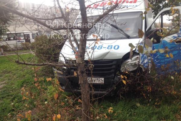 Водителя «Газели» увезли в больницу, но вернут на место для оформления