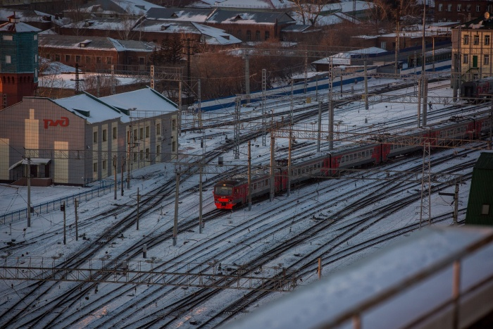 Из-за технических неполадок пассажирского поезда  № 302  электричка задержалась на полчаса