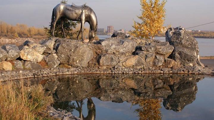 Автор «Царь-рыбы» и «Лошадки» решил сделать памятник «Русскому характеру» с волками в Академгородке