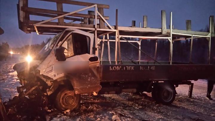 В Прикамье водитель Toyota погиб в ДТП с «Газелью»