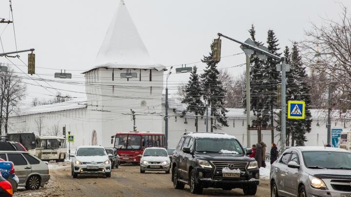 «Наглеют,хамят и тупят»: ярославцы — о том, как водители ведут себя на дороге