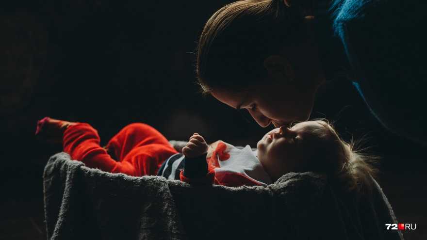«Молодой маме нужна помощь»: честный рассказ многодетной тюменки об обратной стороне родительства