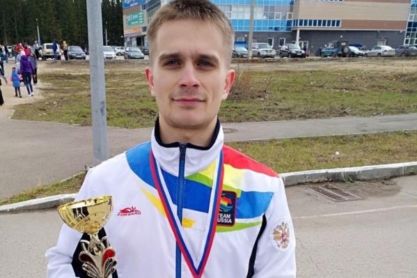 Сергей увлекался спортом, любил играть в футбол