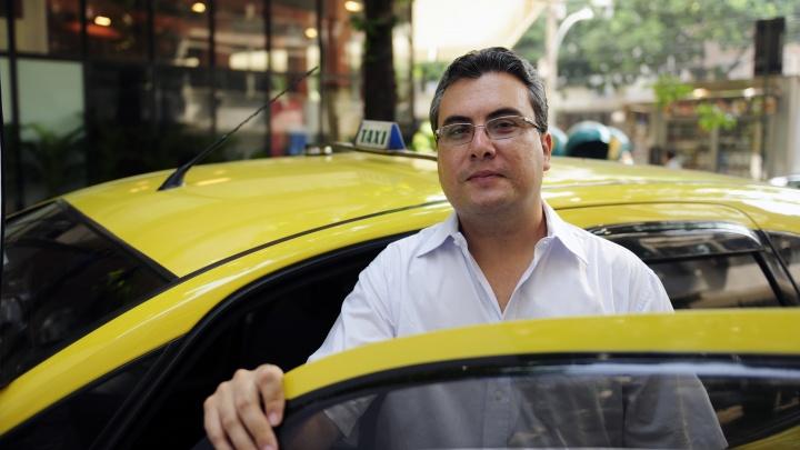 Люди доверяют: почти 80% горожан посчитали поездки на такси безопасными