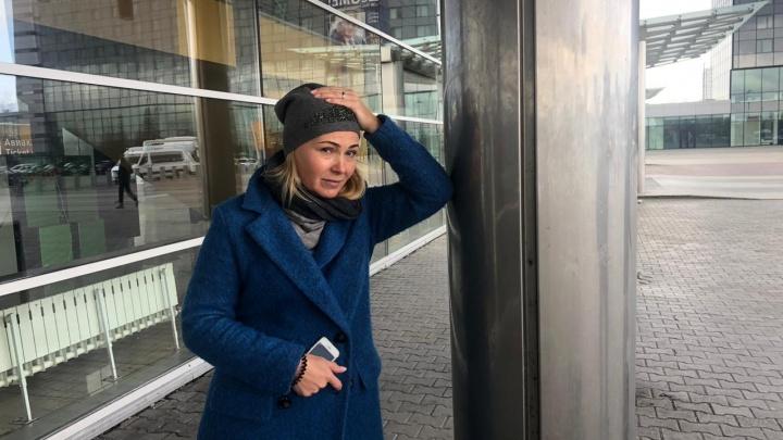 «Не могу улететь к больному ребенку»: история пассажирки, застрявшей в Кольцово из-за ЧП с Ан-12