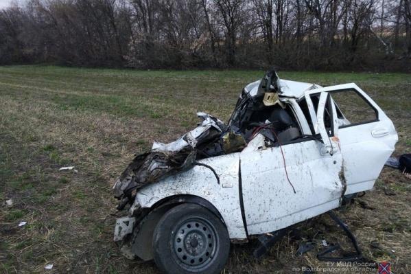 В страшной аварии погибли водитель и пассажир легковой машины