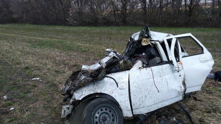 На трассе в Волгоградской области столкнулись тягач и легковушка: двое погибших