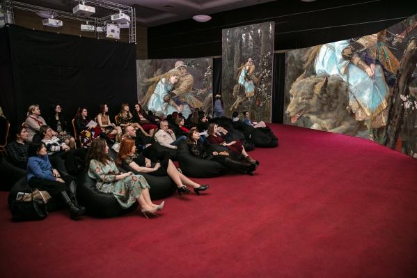 В проекте задействованы около 100 работ знаменитого живописца