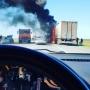 «Дым столбом — глаза режет»: на трассе под Челябинском полыхнула фура