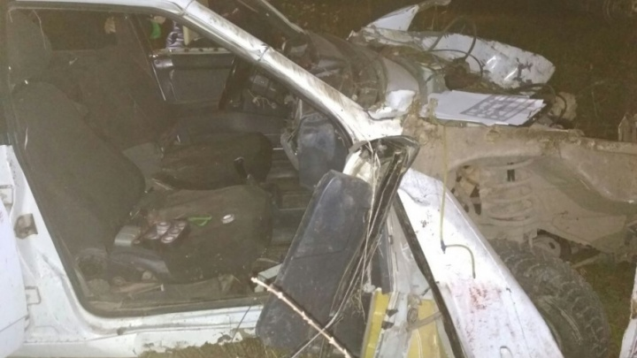 В Башкирии на трассе опрокинулся ВАЗ-21099: погибли двое юношей