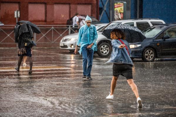 Дождь, прошедший в Советском районе Новосибирска, побил рекорд 67-летней давности