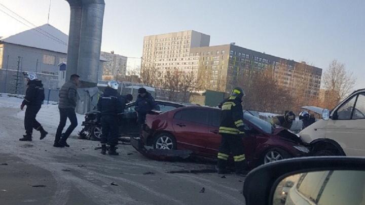 В аварии на Харьковской пострадали два водителя
