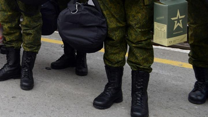 Парня нашли в подвале с автоматом и запиской: что известно о гибели срочника в Новоуральске