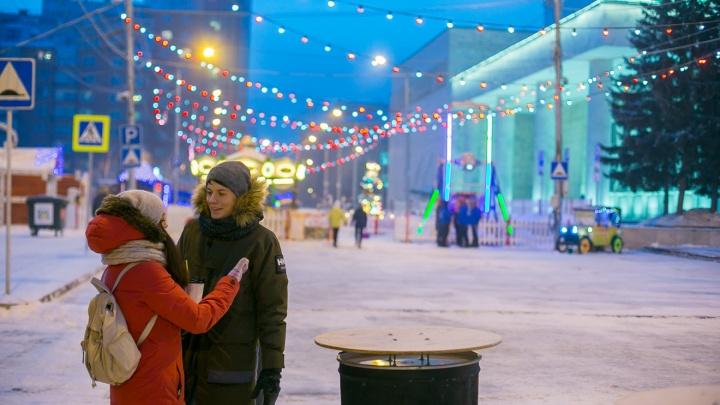 Проезды вдоль Театральной площади перекрыли на 4 месяца ради новогодних гуляний