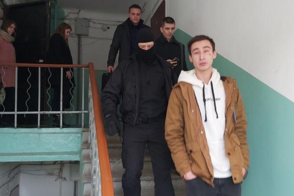 Юрия Прудникова после обыска в квартире повезли в Следственный комитет