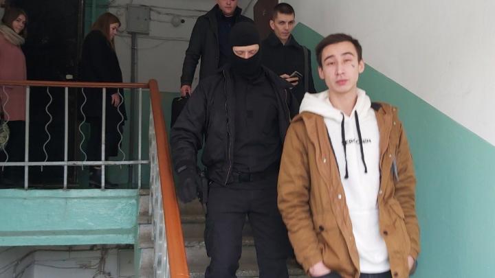 В Челябинске видеооператора штаба Навального отвезли в Следственный комитет