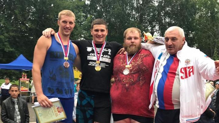 Красноярский чемпион по пощечинам Вася «Пельмень» занял второе место на чемпионате силачей