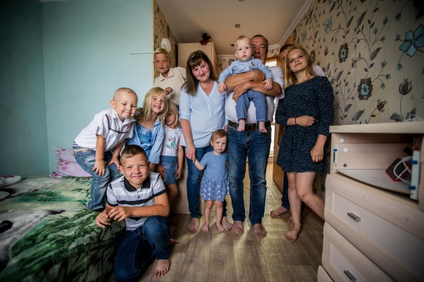 Семья Усовых сейчас 85-я в очереди на жильё, сообщили в минстрое