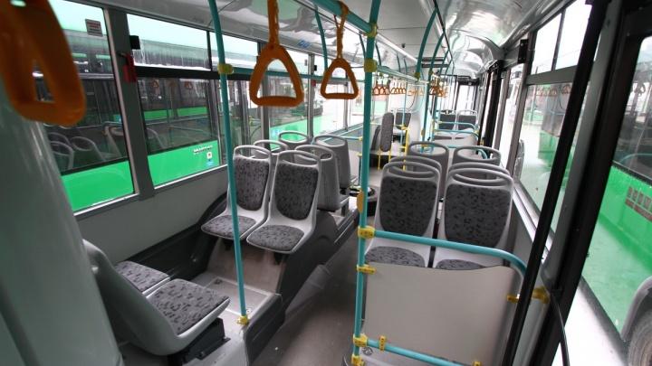 Перевозчик 1-го маршрута ответил на жалобу школьницы о том, что ее удерживали в автобусе