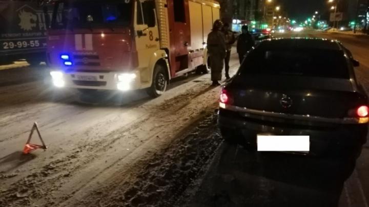 «Скорая долго не уезжала»: в Ярославской области иномарка сбила женщину