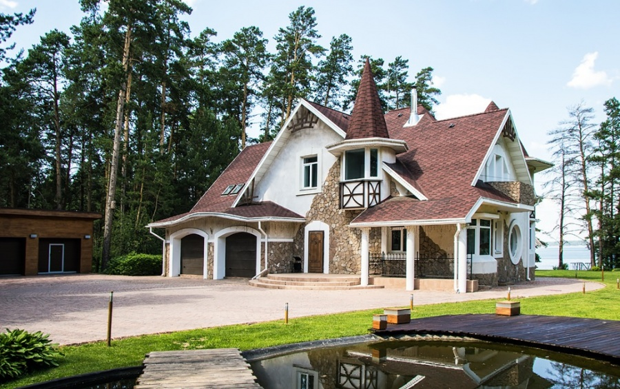 Наибольшая усадьба Перми продаётся за25 млн руб.