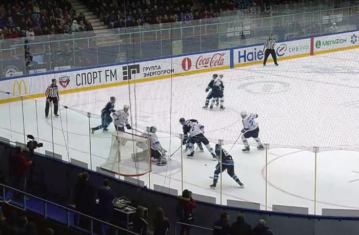 Казахстанский «Барыс» не смог сдержать натиск новосибирской команды