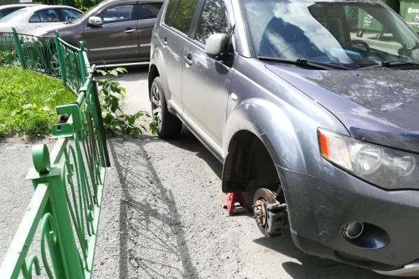 Инцидент произошёл во дворах улицы Челюскинцев