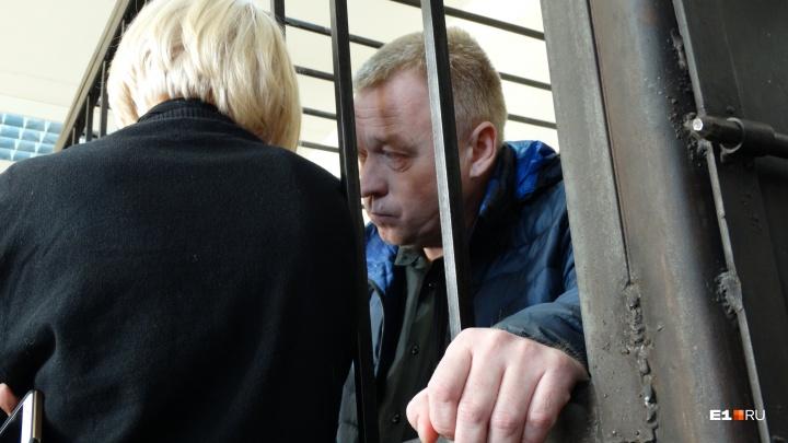 Главу полиции Первоуральска, подозреваемого во взятке, выпустили из-под домашнего ареста