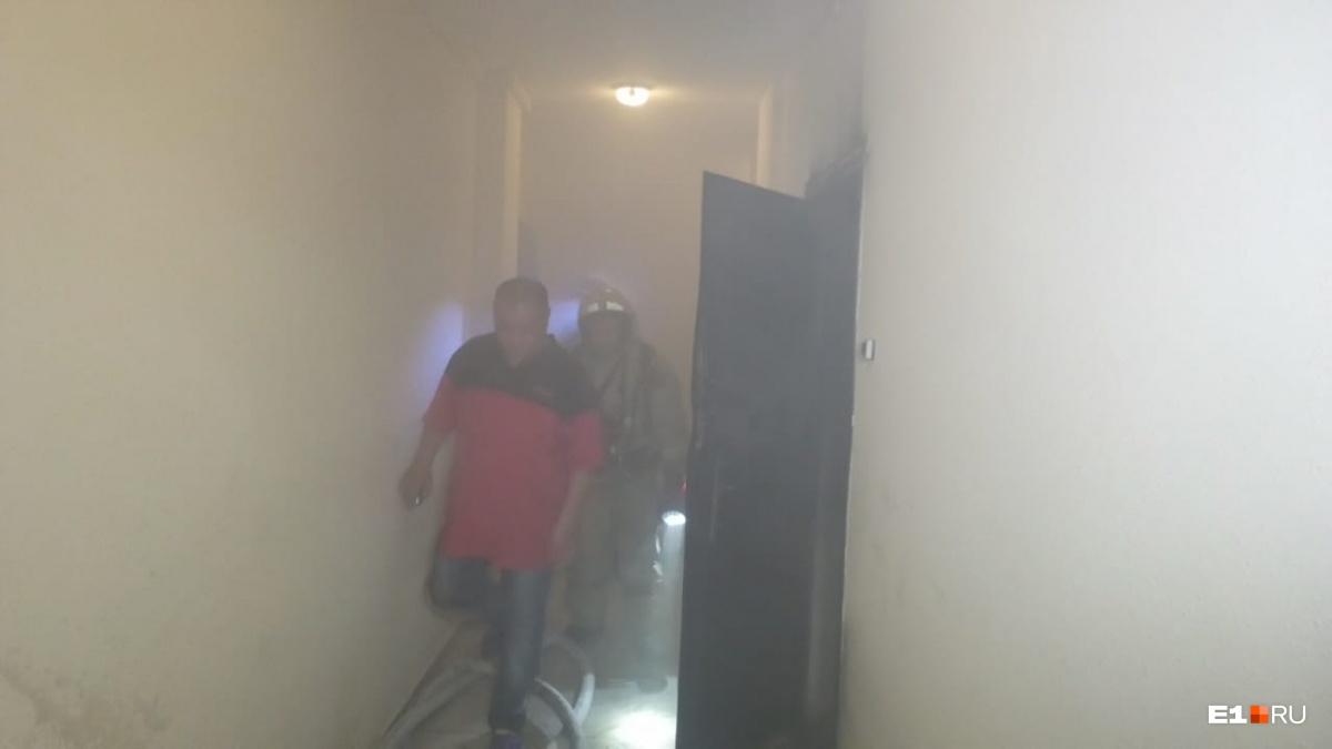 Весь подъезд был в дыму